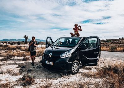 Thenomadescape-bus-roadtrip-drone-digitalnomads-remotework-travel